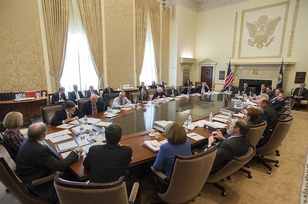 【ドル安】FOMC議事録から利上げペース減速との見方で…【5月25日の為替相場ポイント&経済指標まとめ】