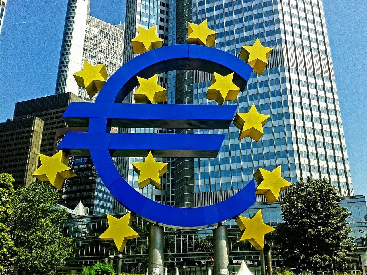 【ユーロ】今夜はドラギの議会証言が焦点!ECB揺れる?フランスも緩和解除派…か【5月29日の為替相場ポイント&経済指標まとめ】