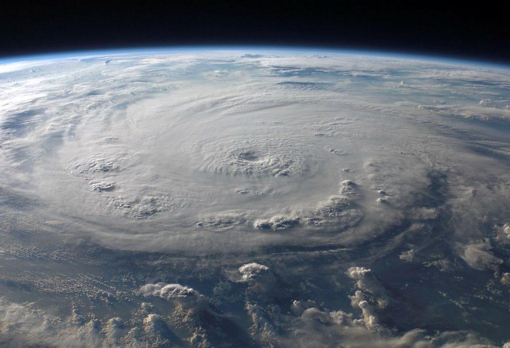 【ドル高】ハリケーンは政治的にプラスに?米国と欧州ともに好指標【8月31日の為替相場ポイント&経済指標まとめ】